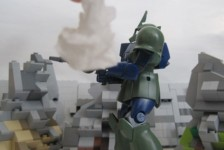 Stop Motion: GM vs Zaku