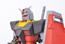 1/48 Mega Size Gundam (Real Type Color)