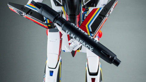 VF-1J Valkyrie Macross 30th Anniversary Paint Transformable-8