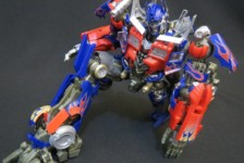 DMK-01 Optimus Prime by Takara Tomy (Part 2: Review)