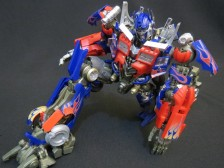 DMK-01 Optimus Prime by Takara Tomy (Part 2: Review)