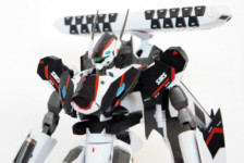 DX Chogokin YF-30 Chronos by Bandai (Part 2: Review)