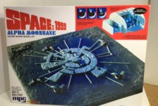 1/3200 Space 1999 Moon Base Alpha by MPC/Round2 – Part 1: Unboxing