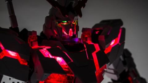 1-60 PG Unicorn LED Lighting Gundam by Bandai.jpg-10