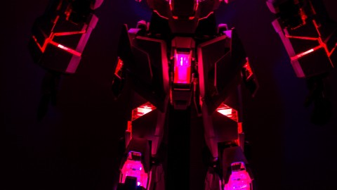 1-60 PG Unicorn LED Lighting Gundam by Bandai.jpg-3