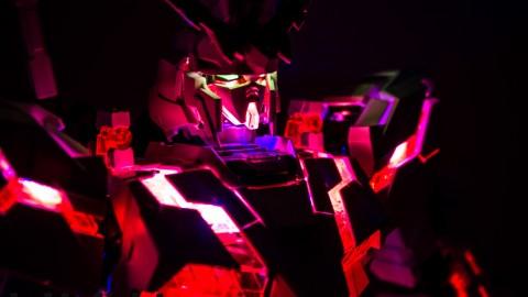 1-60 PG Unicorn LED Lighting Gundam by Bandai.jpg-8