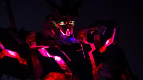 1-60 PG Unicorn LED Lighting Gundam by Bandai.jpg-9