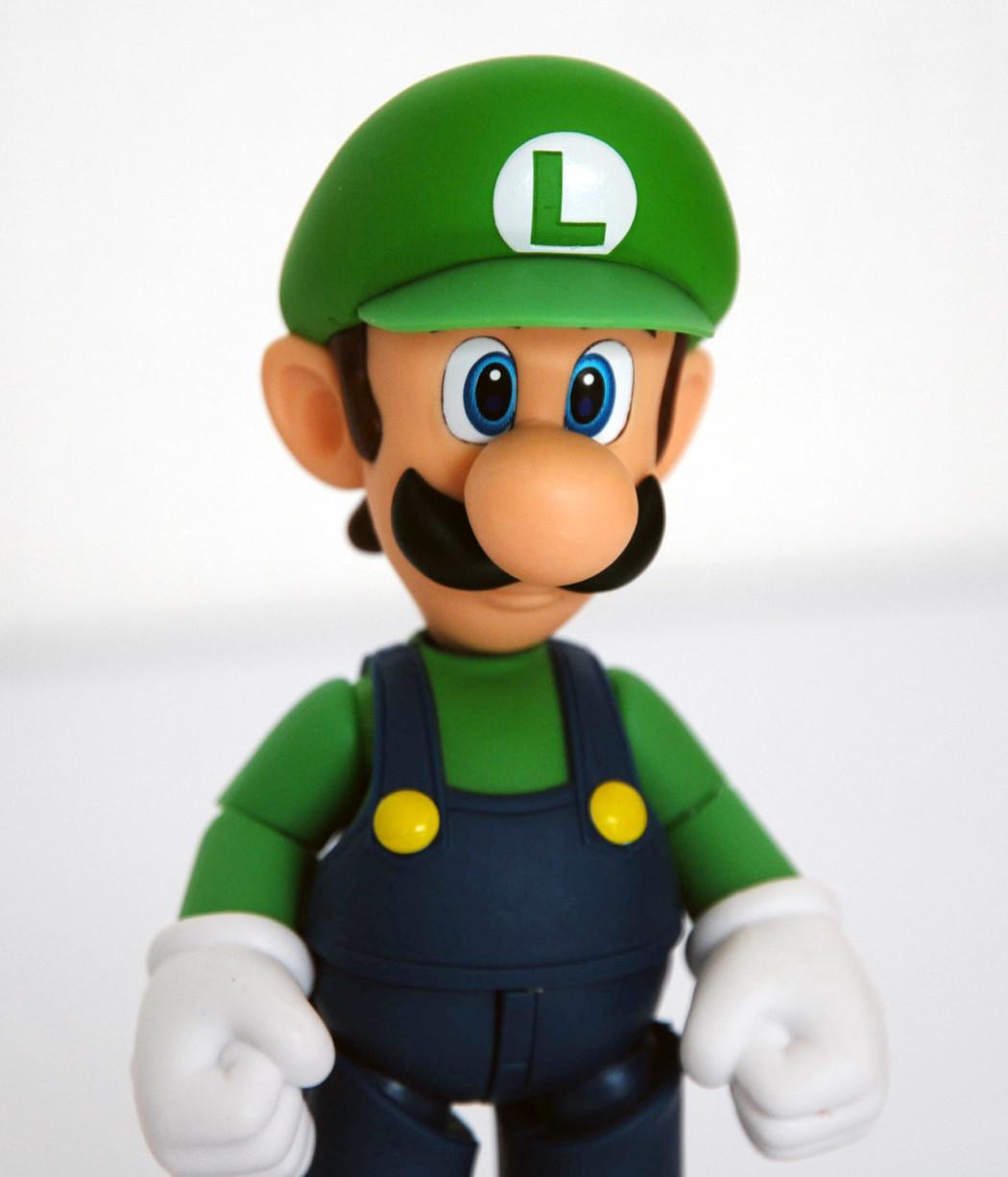 S.H.Figuarts Luigi by Bandai (Part 2: Review)