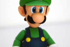 S.H.Figuarts Luigi by Bandai (Part 2: Review)