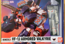 HI-METAL R VF-1J Armored Valkyrie by Bandai (Part 1: Unbox)