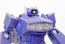 Transformers Masterpiece MP-29 Laserwave (Shockwave) by Takara Tomy (Part 2: Review)