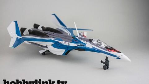 1-72 Macross Delta VF-31J Siegfried (Hayate Immelman)-by Bandai-1