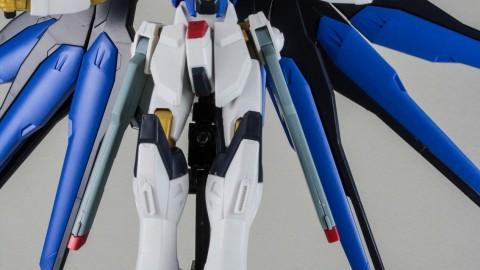1-144 HGCE Strike Freedom Gundam-by Bandai-10