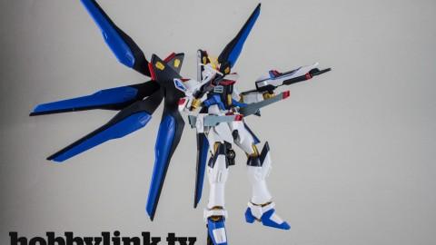 1-144 HGCE Strike Freedom Gundam-by Bandai-13