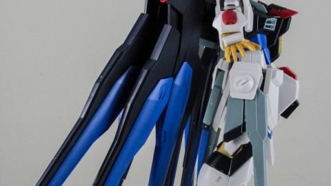 1-144 HGCE Strike Freedom Gundam-by Bandai-5