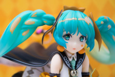 Hatsune Miku: TRICK or MIKU illustration by Hidari by Union Creative (Review)