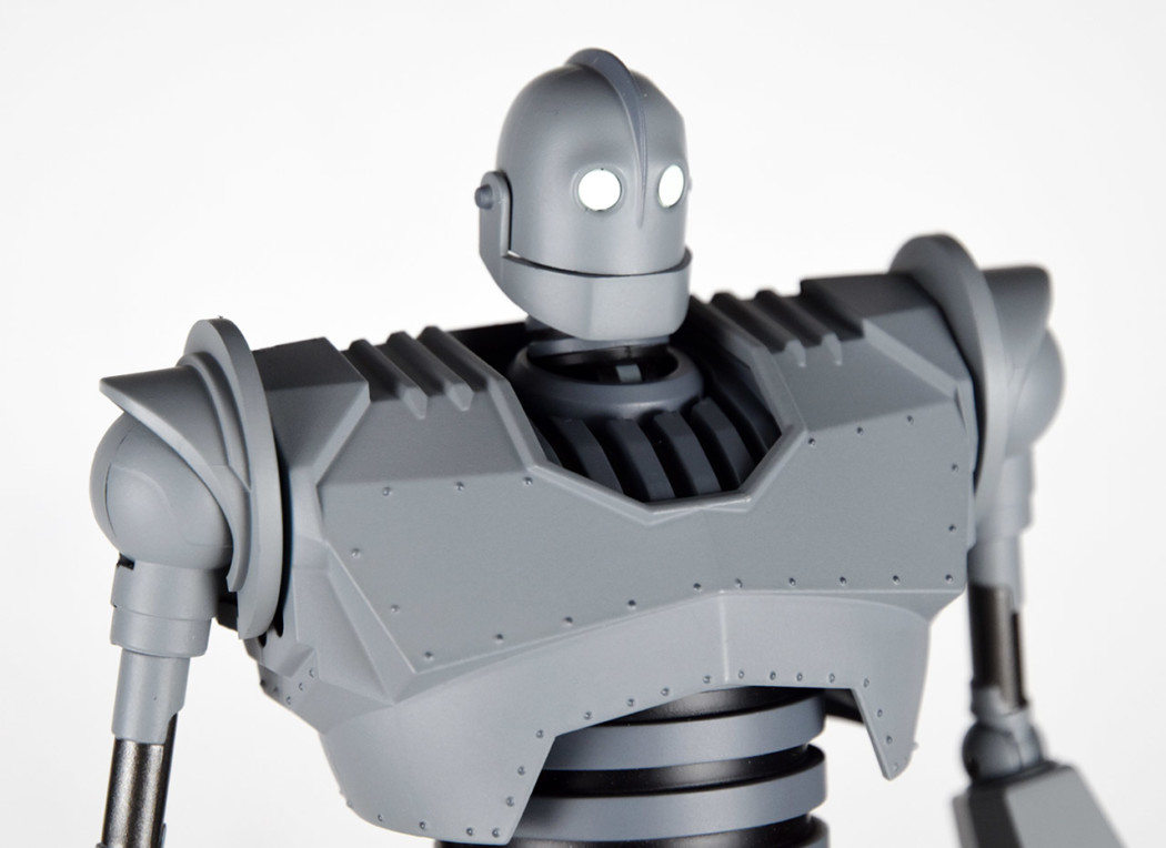 Riobot The Iron Giant by Sentinel (Part 2: Review)