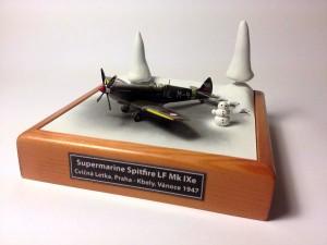Spitfire.LF.Mk.IXe.1-144.01