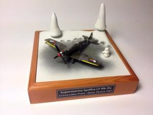 Spitfire.LF.Mk.IXe.1-144.02